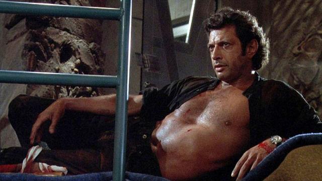 Figura de «ação» do Dr. Ian Malcom de Jurassic Park se recuperando do ataque de um T-Rex