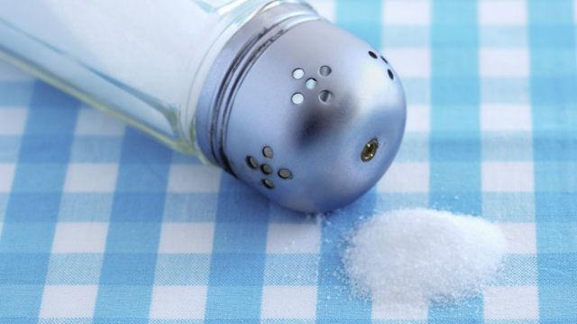 Cientistas acham um perigoso componente em 90% do sal de cozinha